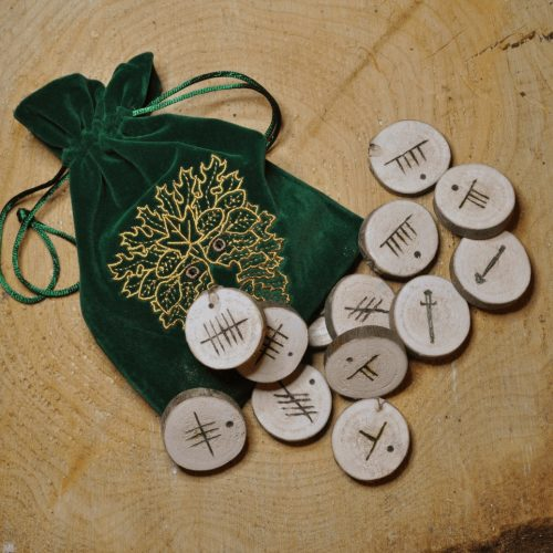 Saille Ogham Fews with bag